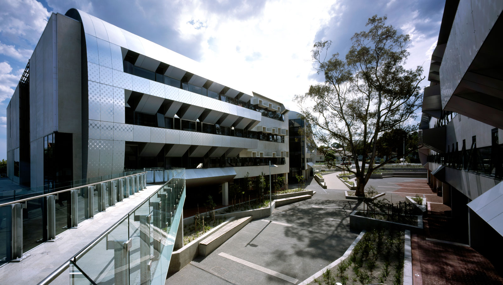 H2o-Architects-Melbourne-Deakin-University-International-and-Business-Centre-Building-01